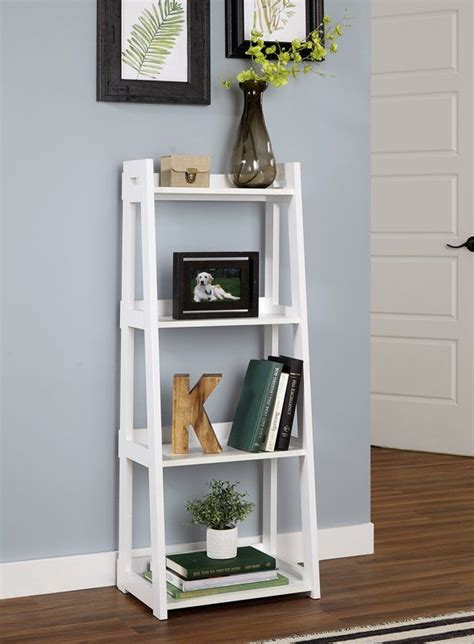 Small-Ladder-Shelf-Diy