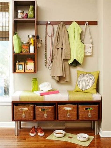 Small-Mudroom-Bench-Plans