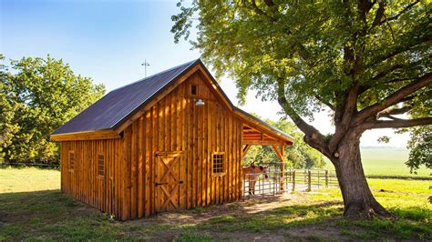 Small-One-Horse-Barn-Plans