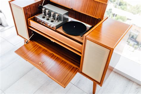 Small-Record-Player-Stand-Plans-Wood