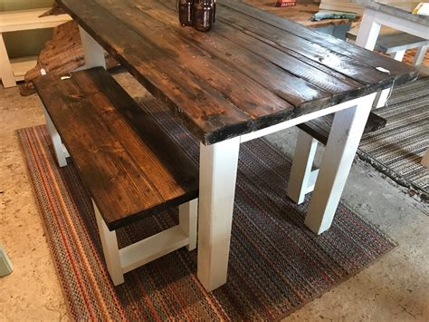 Small-Rustic-Farmhouse-Dining-Table