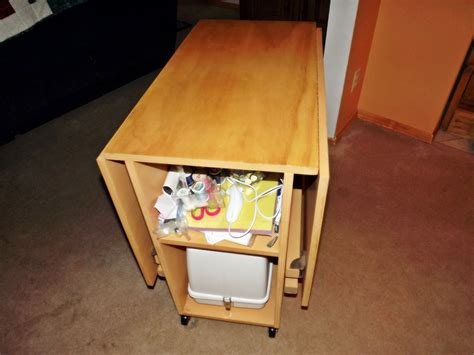 Small-Sewing-Table-Plans