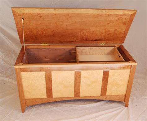 Small-Wooden-Hope-Chest-Plans