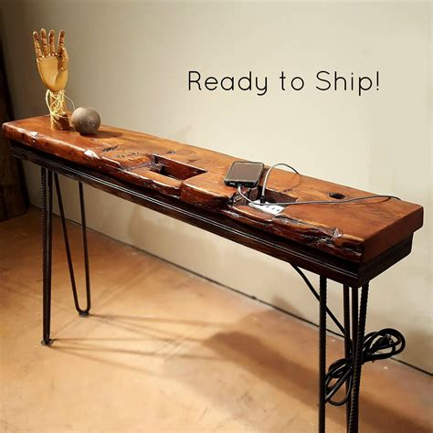 Sofa-Table-With-Charging-Station-Diy