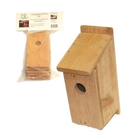 Songbird-Essentials-Diy-Build-A-Birdhouse-Chickadee-Kit