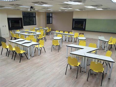 Space-Planning-For-Classrooms-With-Tables
