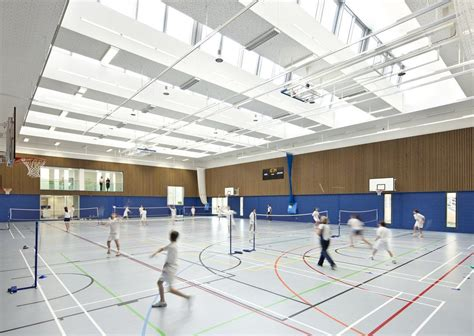 [pdf] Sports Halls Design  Layouts - Sport England.