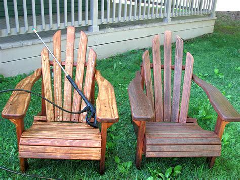 Staining-Adirondack-Chairs