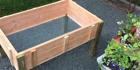 Stand-Up-Planter-Box-Plans