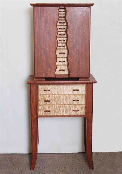 Standing-Jewelry-Armoire-Plans