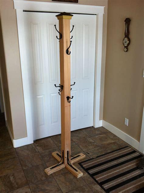 Standing-Wooden-Coat-Rack-Plans
