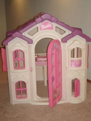 Step-2-Barbie-Playhouse