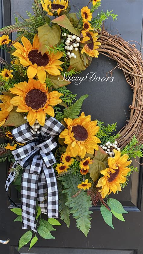 Sunflower-Door-Wreath-Diy