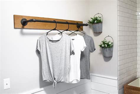 Super-Easy-Diy-Industrial-Wall-Clothing-Hanger-Rack