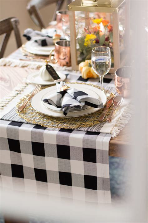 Table Runner And Napkin DIY