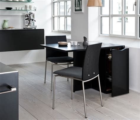 Table-And-2-Chairs-Floor-Plan