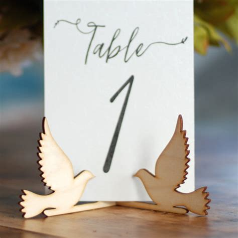 Table-Number-Sign-Stand-Diy