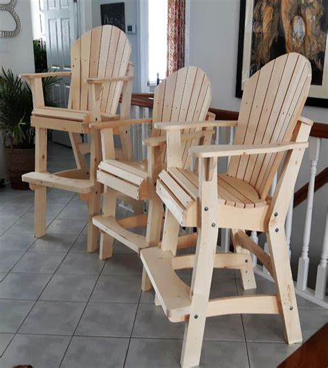 Tall-Wood-Deck-Chair-Plans