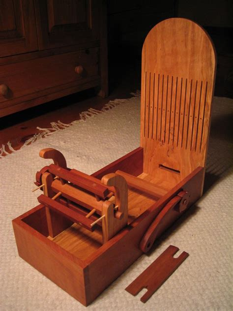 Tape-Looms-Woodworking-Plans