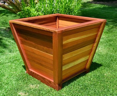 Tapered Cedar Planter Box Plans