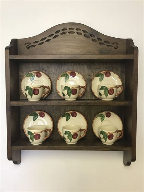 Tea-Cup-Shelf-Plans