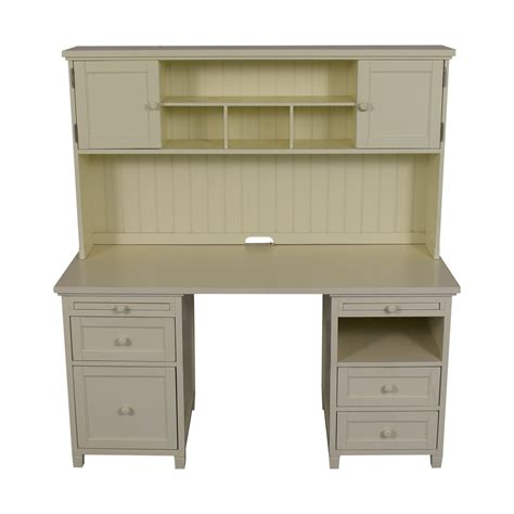Teen-Desk-With-Hutch