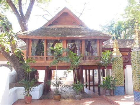 Thai-Style-Wooden-House-Plans