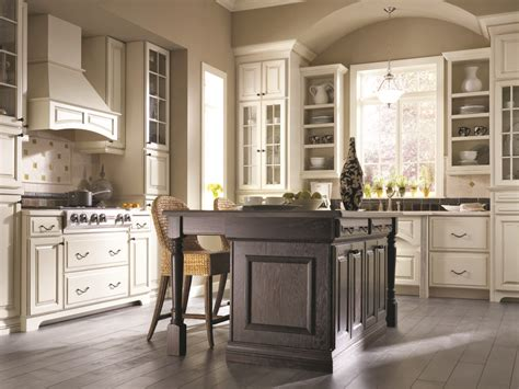 Thomasville Eden Style Birch Wood Kitchen Cabinets