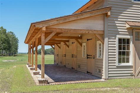Timber-Frame-Horse-Barn-Plans