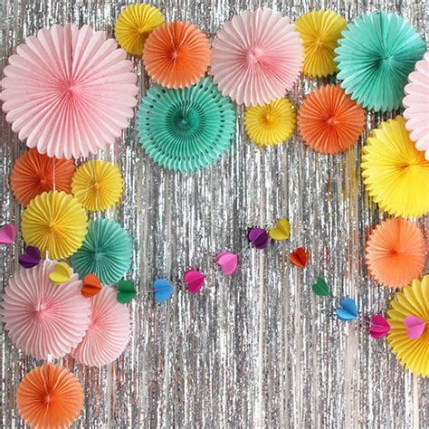 Tissue-Paper-Fan-Decorations-Diy