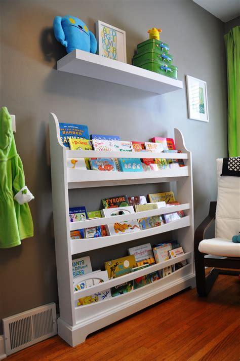 Toddler-Bookshelf-Diy