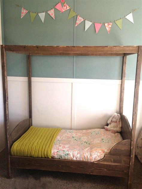 Toddler-Canopy-Bed-Plans