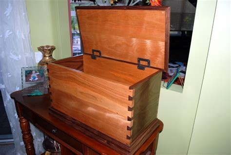 [pdf] Toy  Blanket Chest - Mlcs Woodworking.