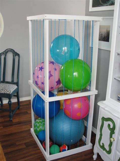 Toy-Shelves-Diy-Ball-Pit