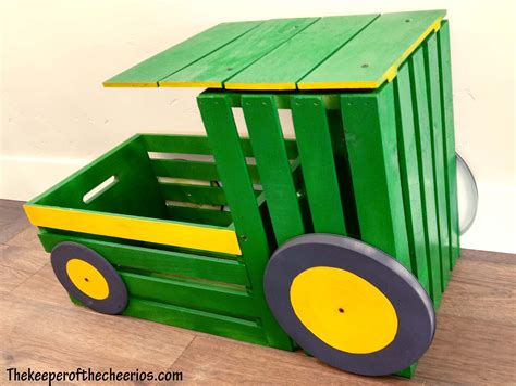 Tractor-Toy-Box-Diy