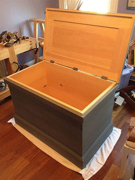 Traditional Woodworkers Tool Chest