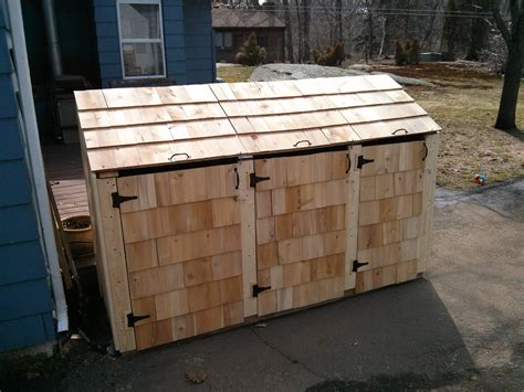 Trash-Barrel-Storage-Shed-Plans