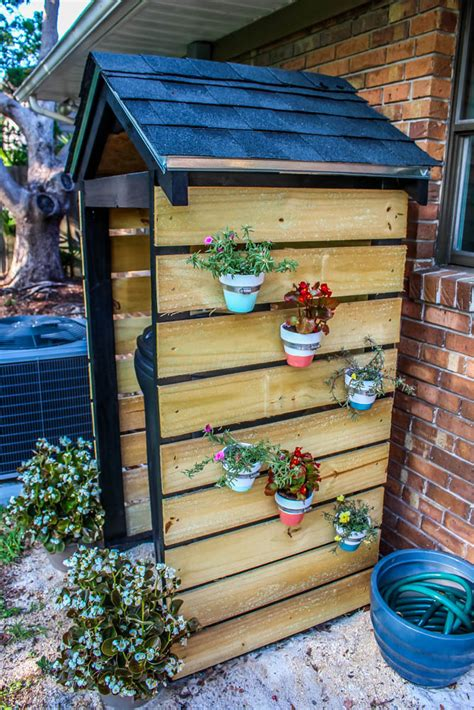 Trash-Shed-Diy