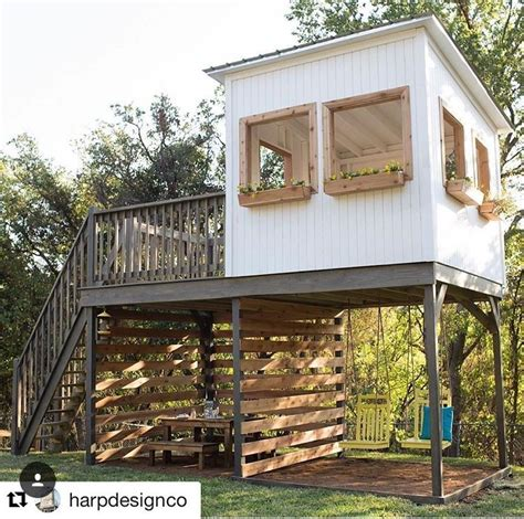 Treeless-Playhouse-Outdoor-Plans