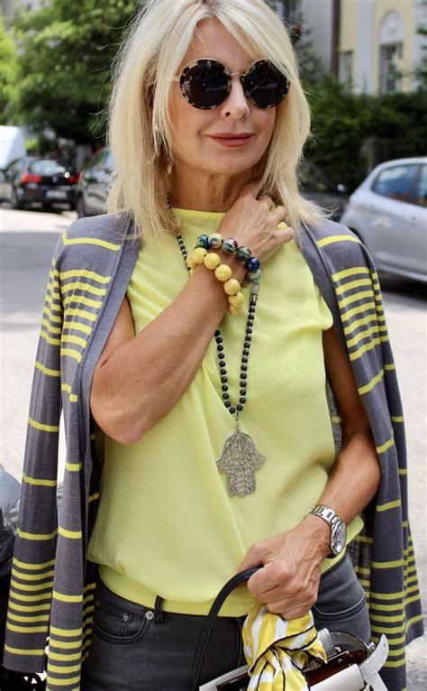 Trendy Looks For Over 50