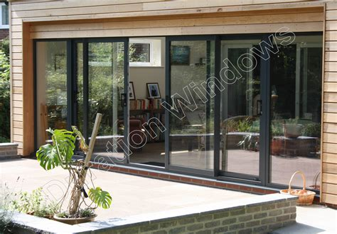 Triplex-House-Plans-With-Center-Patio