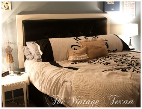 Tufted-Vinyl-Headboard-Diy