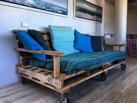 Twin Bed Daybed Diy From Pallet