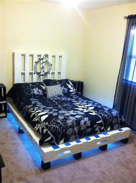 Twin-Pallet-Bed-With-Lights