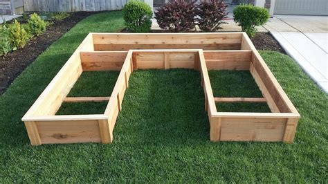 U-Shaped-Raised-Garden-Bed-Plans