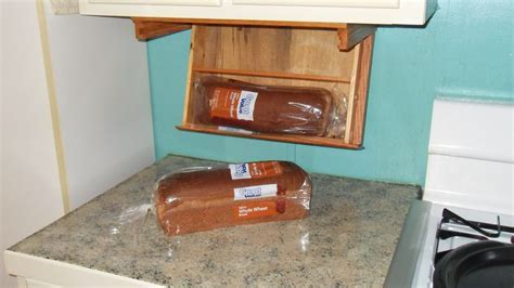Under-Cabinet-Bread-Box-Plans