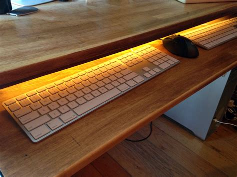 Under-Desk-Keyboard-Tray-Diy