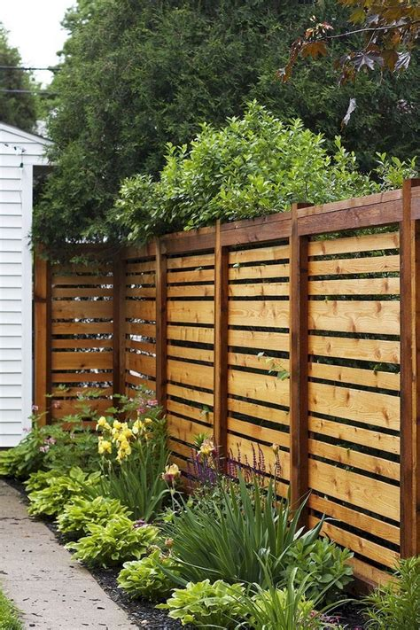 Unique Diy Privacy Fence Ideas