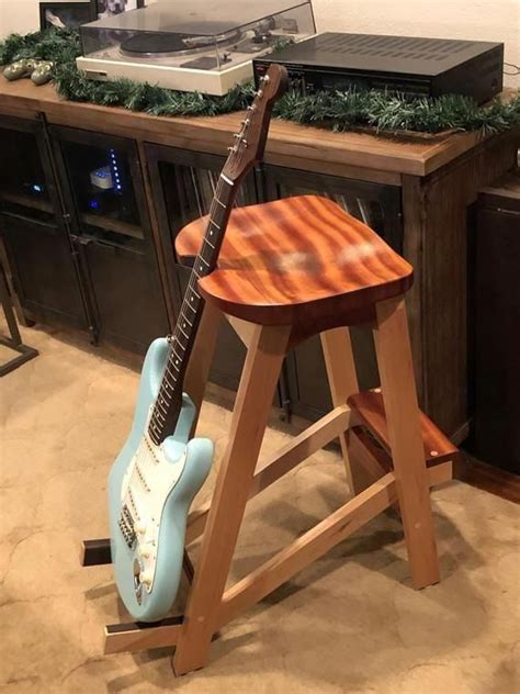 Upcycling DIY Guitar Stand Stool