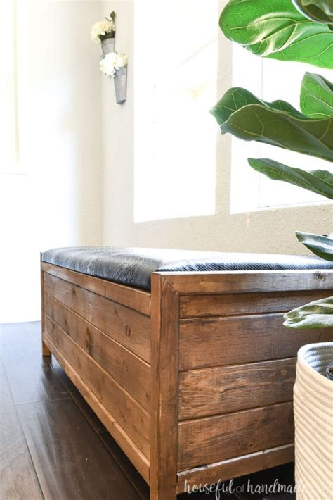 Upholstered-Bench-With-Storage-Diy
